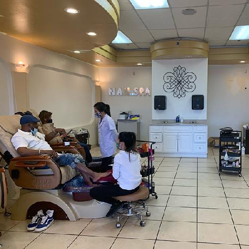 Nails Salon 92395